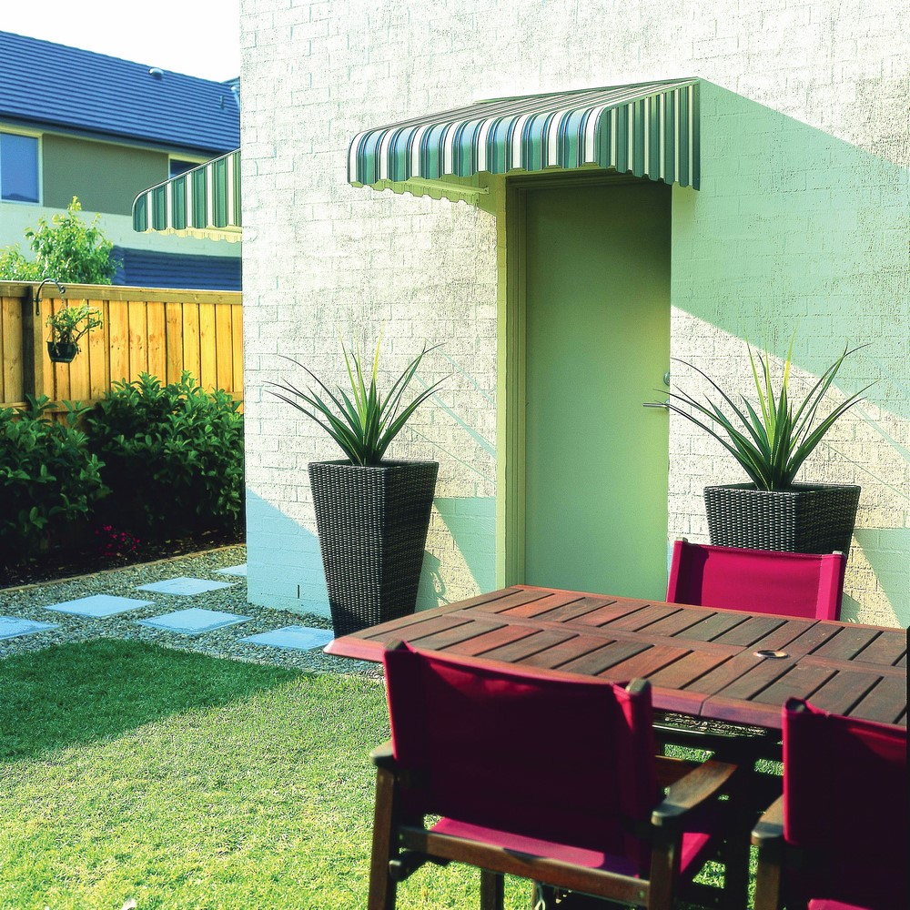 LUXAFLEX® Caribbean Awning