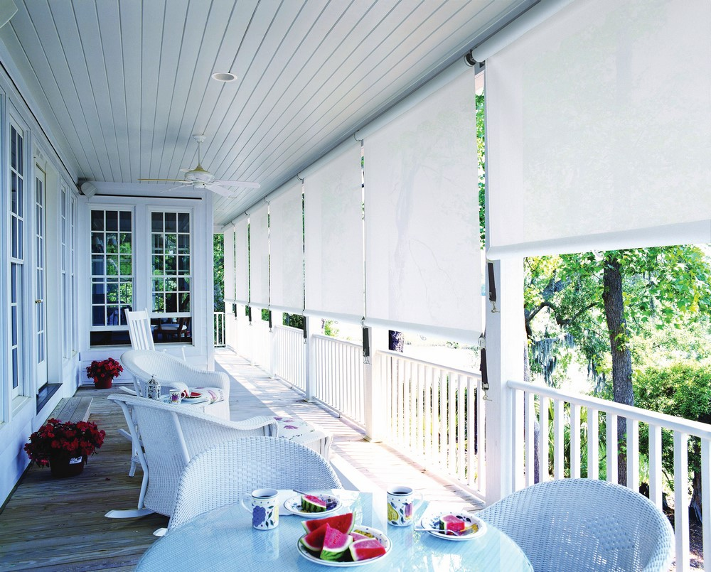 LUXAFLEX® System 2000 Straight Drop Awnings