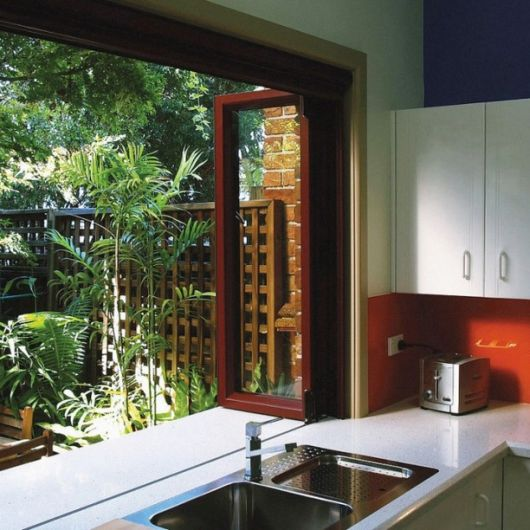 bifold-window-